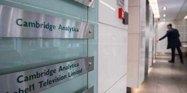 Cambridge Analytica déclare faillite et cesse «immédiatement toutes ses