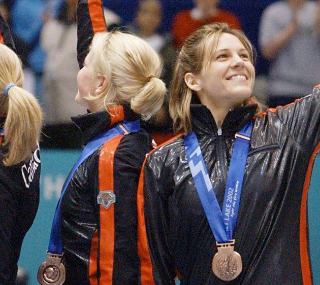 Isabelle Charest (droite) a remporté la médaille de bronze à l'épreuve du relais aux Jeux olympiques...
