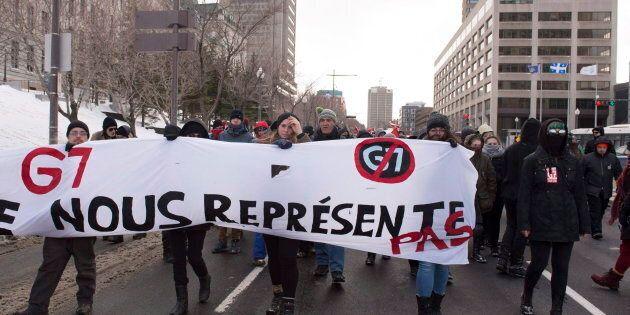 Une première opposition entre manifestants et policiers a eu lieu le 5 avril lors du Sommet d'affaires B7 qui se tenait à Québec.