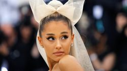 Ariana Grande casse son collier à 169