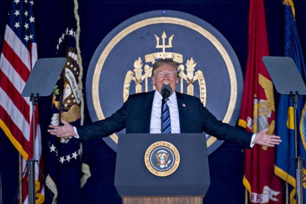 Donald Trump a pris la parole lors de la graduation des forces navales américaines, le 25 mai