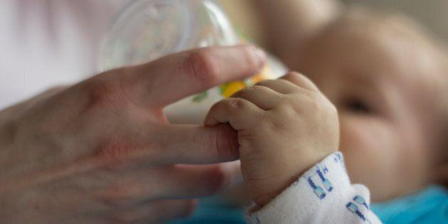 Un nouveau programme de collecte de lait maternel d'Héma-Québec voit le