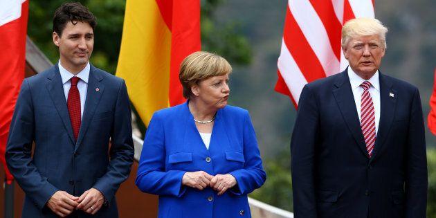 Le premier ministre canadien Justin Trudeau, la chancelière allemande Angela Merkel et le président américain...