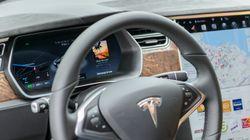 Tué à bord d'une Tesla: le conducteur n'avait pas les mains sur le