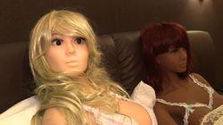 Une maison close de poupées en silicone à