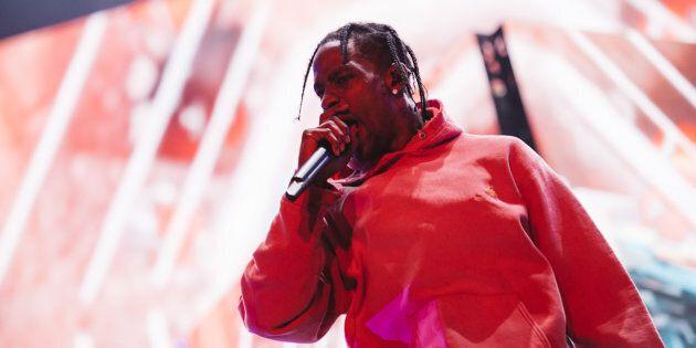 Le rappeur Travis Scott a déçu plusieurs festivaliers avec son retard et sa courte prestation à Osheaga,...