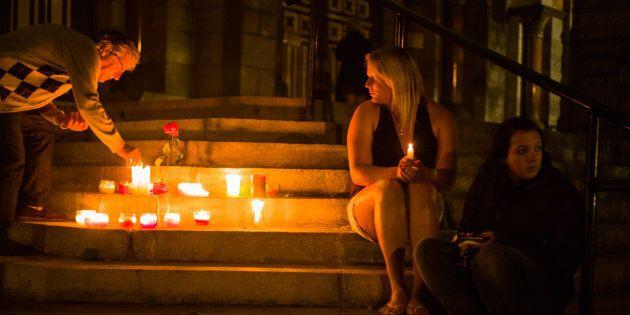 Une vigile en hommage aux victimes, 13 juillet