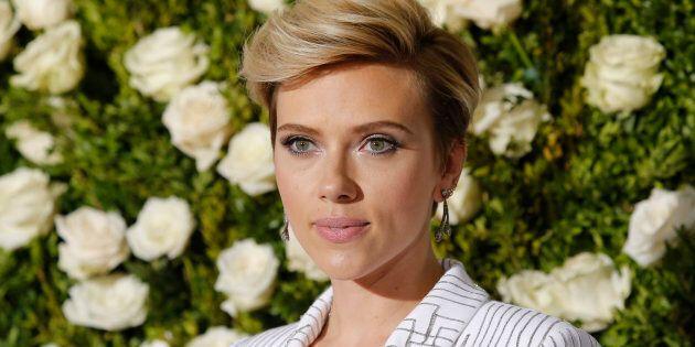 Scarlett Johansson répond à ceux qui pensent qu'elle ne devrait pas jouer un personnage