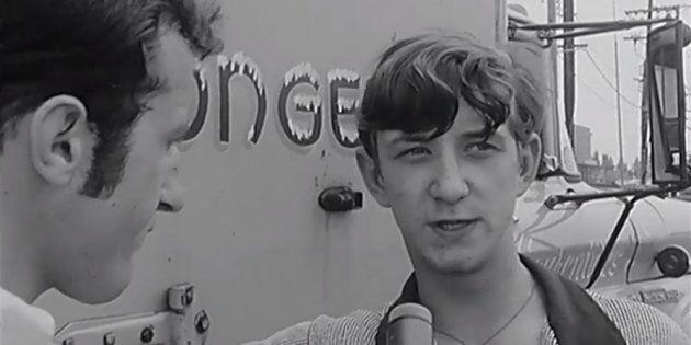En juillet 1968, il faisait chaud à Montréal et Bernard Derome était sur le terrain pour vous le