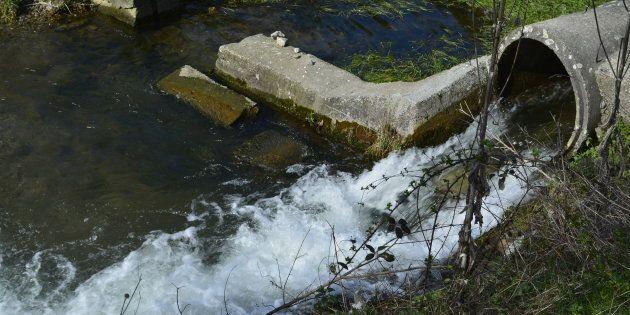 1000 milliards de litres d'eaux usées déversés dans les cours d'eau entre 2013 et