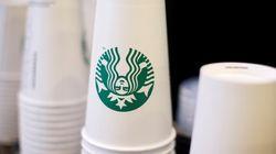 Starbucks va éliminer les pailles en
