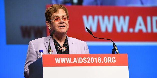 Elton John était invité à prendre la parole lors de la conférence sur le sida