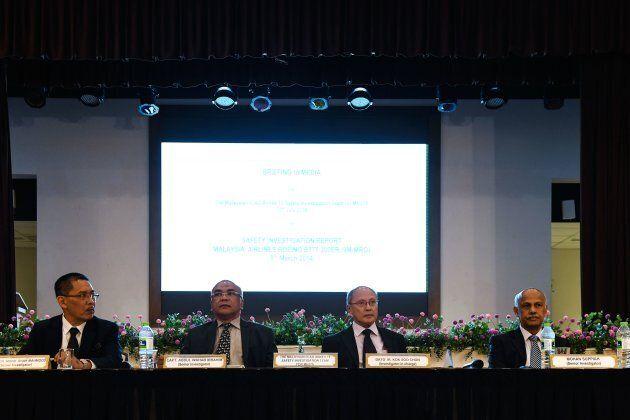 Les quatre enquêteurs Mohd Shah Mahmood, Abdul Wahab Ibrahim, Kok Soo Chon et Mohan Suppiah ont rencontré...