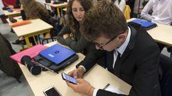 La France interdit les cellulaires dans les écoles et