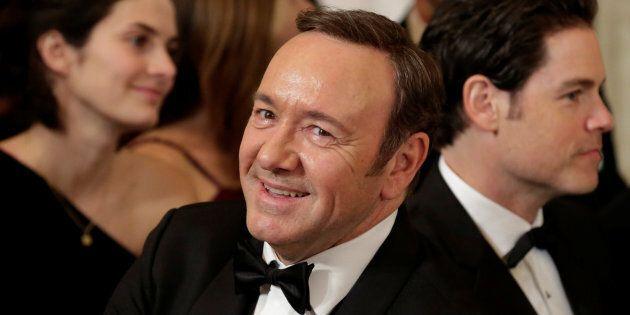 Agressions sexuelles: des accusations contre Kevin Spacey et Steven Seagal tombent à Los