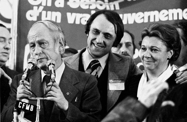 Lise Payette avec René Lévesque, après la victoire du Parti québécois, le 15 novembre