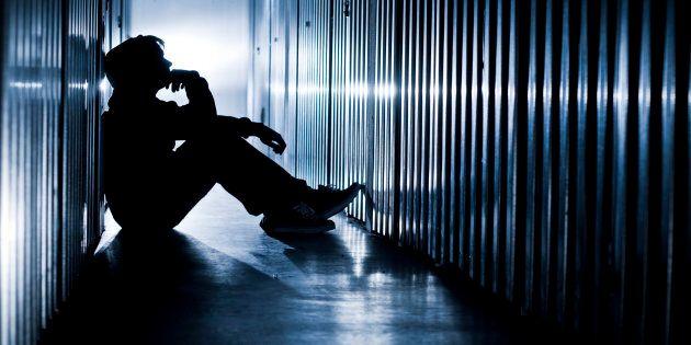 Vouloir se faire mal à ce point veut dire qu'on souffre tant intérieurement, qu'on pense calmer la souffrance…...