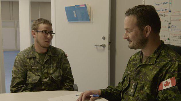 Bien qu'elles ne compilent aucune statistique sur la question, les Forces armées canadiennes estiment...