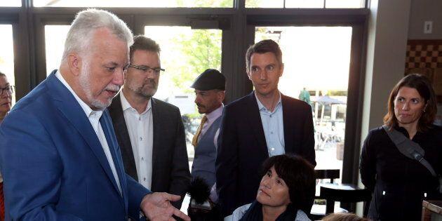 Philippe Couillard était à Gatineau vendredi matin en compagnie du maire de la ville, Maxime Pedneaud-Jobin,...