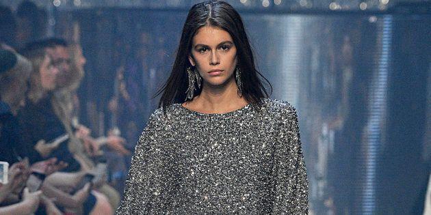 La fille de Cindy Crawford vole la vedette à la Semaine de mode de