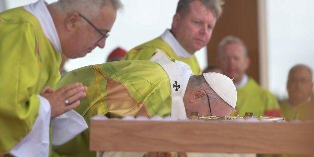 Le pape François demande «pardon» à Dieu pour les abus en