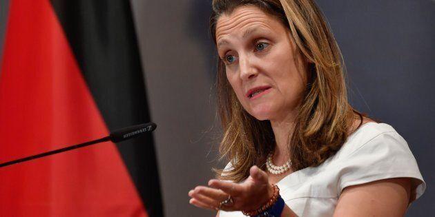 La ministre canadienne des Affaires étrangères Chrystia s'exprimait devant une réunion annuelle des ambassadeurs...