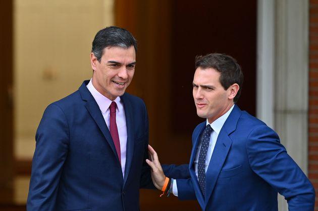 Rivera se reivindica ante Sánchez como líder de una