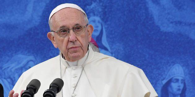 Les propos du pape François sur l'homosexualité mettent le Vatican dans