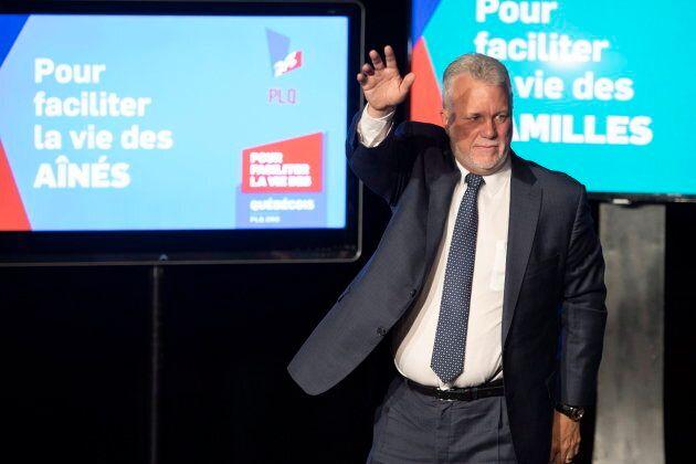 Le premier ministre sortant s'est adressé à quelques supporters réunis à Saint-Félicien, dans sa circonscription du Lac-Saint-Jean.