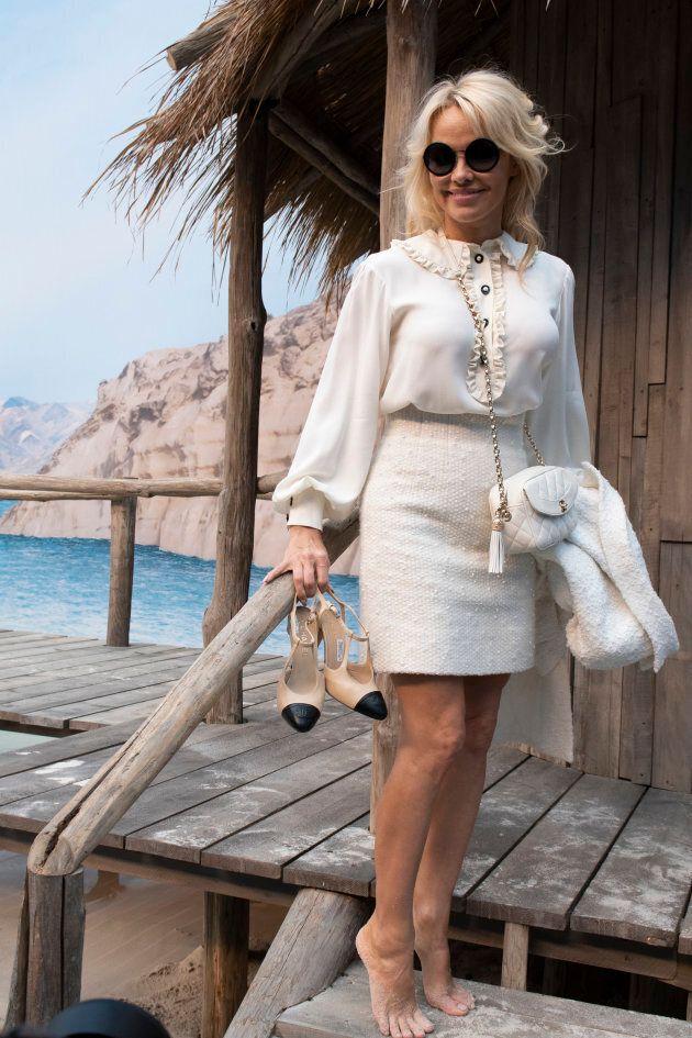 Chanel recrée une plage – avec vraies vagues! – en plein