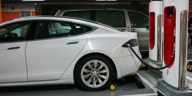 Aides aux voitures électriques en Ontario: la justice canadienne donne raison à
