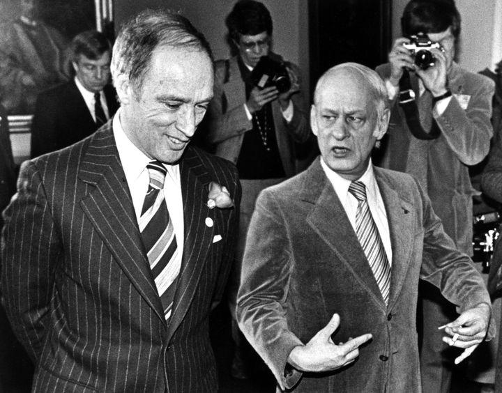 Le gouvernement de René Lévesque a utilisé la clause dérogatoire comme outil de rébellion dans un contexte de tension avec Ottawa au début des années 80.