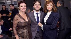 Xavier Dolan et sa mère complices et très élégants sur le tapis rouge du