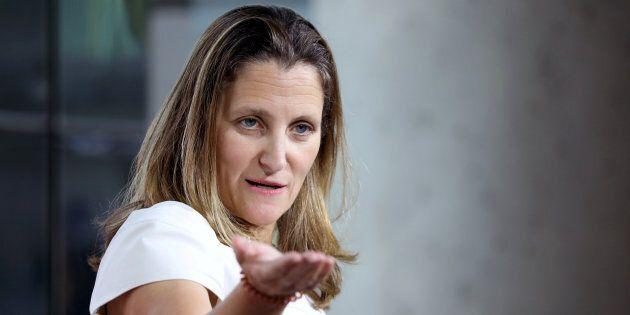 Les États-Unis et le Canada doivent s'entraider, dit Chrystia Freeland, en marge des négos pour