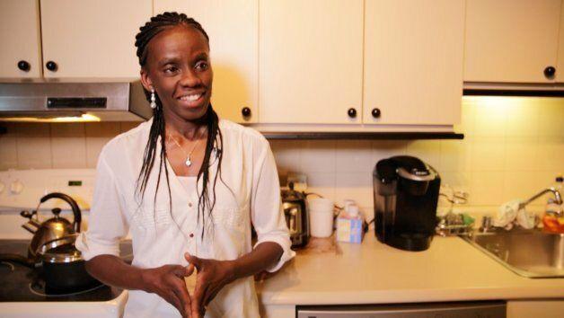 Amina Watalusu a dû persévérer durant quatre ans avant d'obtenir un emploi dans son