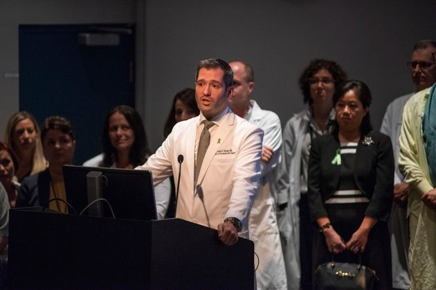 Le Dr Daniel Borsuk est aussi connu pour ses travaux sur les enfants blessés par des morsures de