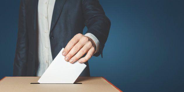 D'ailleurs, plusieurs pourraient être enclins à se demander: «À quoi sert mon vote au juste, car cela...