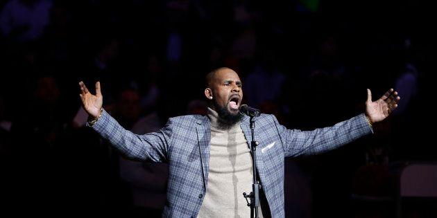 Le chanteur R. Kelly a longtemps été mêlé à des histoires d'inconduite sexuelle impliquant des