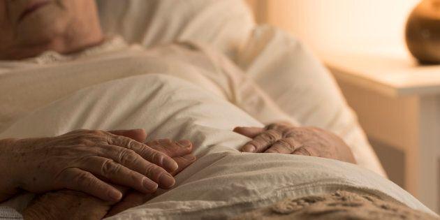 La loi sur l'aide médicale à mourir contestée par deux
