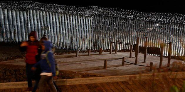 Le président des États-Unis devrait aborder la «crise» des migrants ce soir, dans son discours à la nation,...