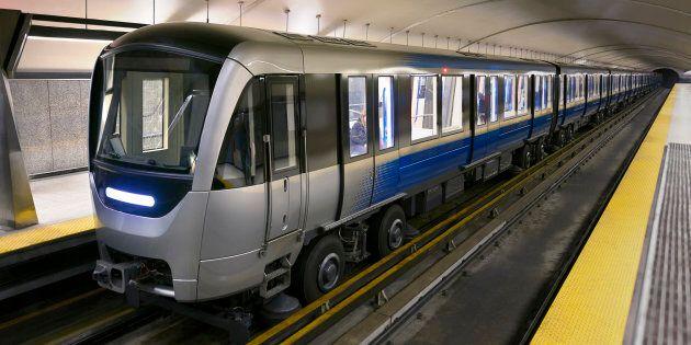 Ligne bleue du métro: Montréal ajoute des travaux… et des