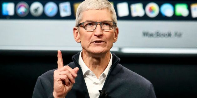 Apple: le PDG Tim Cook obtient une forte