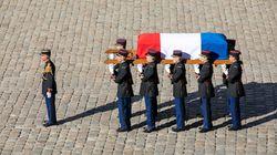 Vibrant hommage à Aznavour, monument de la chanson et «visage de la