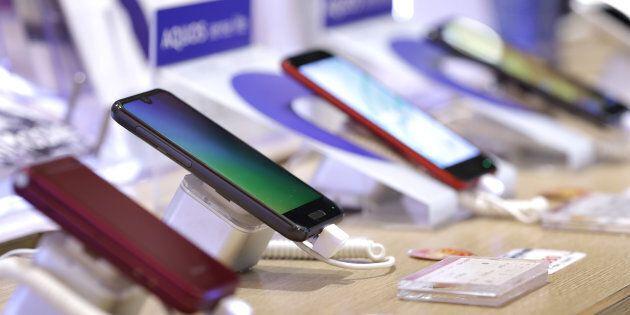 Les ventes mondiales de téléphones intelligents sont en repli pour un cinquième trimestre