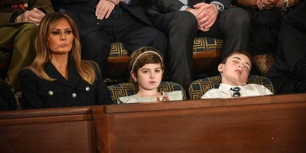 Le petit Joshua Trump s'endort pendant le discours sur l'état de