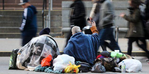 L'une des zones d'ambiguïté est la manière de mettre à jour progressivement le seuil de la pauvreté.