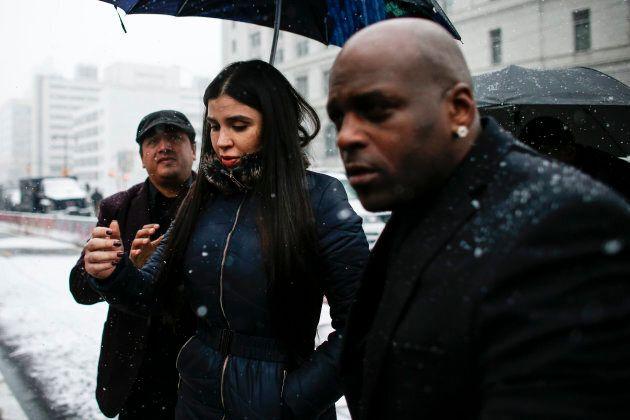 Emma Coronel Aispuro, la femme d'«El Chapo», à son arrivée au palais de justice ce