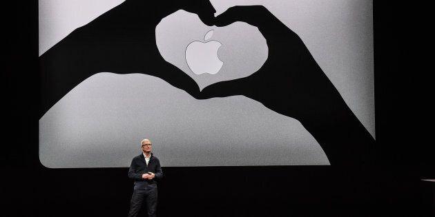 Tim Cook, PDG d'Apple dévoilant mardi le nouveau MacBook Air à New
