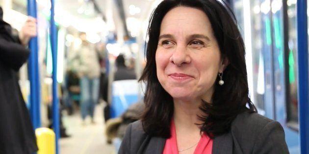 Valérie Plante en entrevue dans le métro de