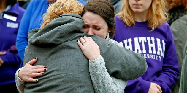 Fusillade à Pittsburgh: des appels à lutter contre l'extrême